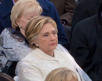 Hillary Clinton bei Trumps Einführung - Faktum Magazin
