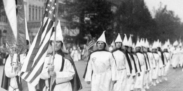 WKK - Frauen im Ku Klux Klan - Faktum Magazin