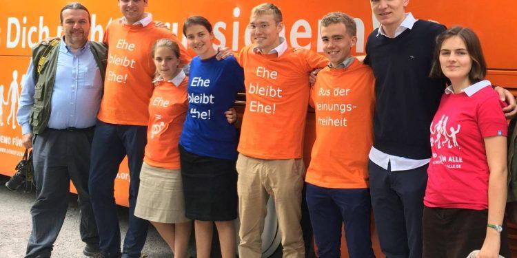 Bus der Meinungsfreiheit - Karlsruhe