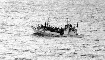 Flüchtlinge - Asylanten - Boot - Faktum Magazin