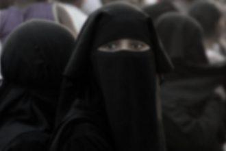 Norwegen verbietet Burka und Niqab in Schulen