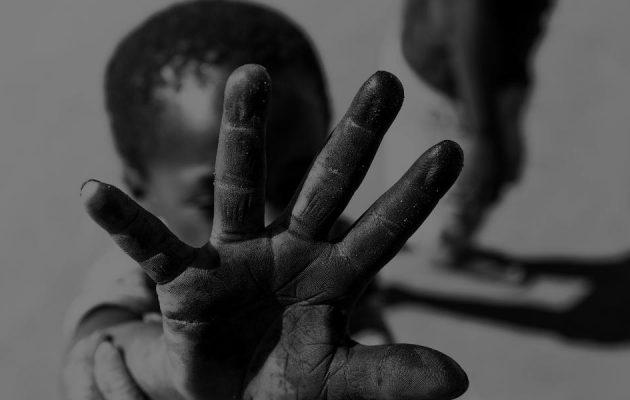 schwarzes Kind - Sklaverei - Faktum Magazin