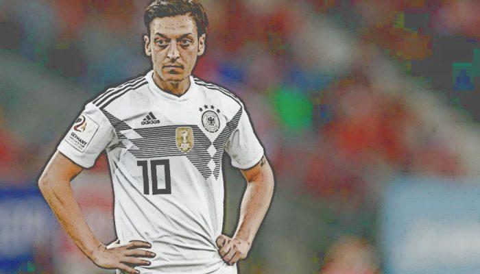 """Frankfurt-Boss Fredi Bobic über Özil: """"Rassismusvorwurf ist unerträglich"""""""