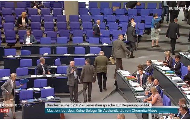 AfD verlässt den Plenarsaal - Bundestag - Faktum Magazin