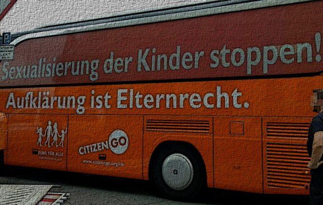 Bus der Meinungsfreiheit in Berlin - Faktum Magazin